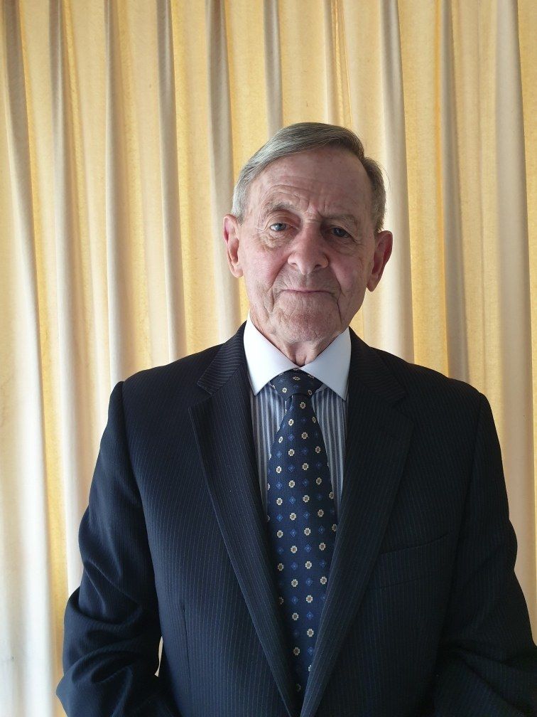 Richard Mailey awarded OAM for helicopter emergency response service over nearly 50 years